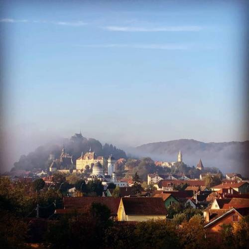Cazare 2021 in Sighisoara – Double Three by Hilton Hotel Cavaler****