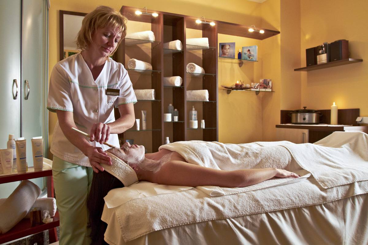 Pachet Romantic Wellness 2020 in Covasna - Hotel Clermont****